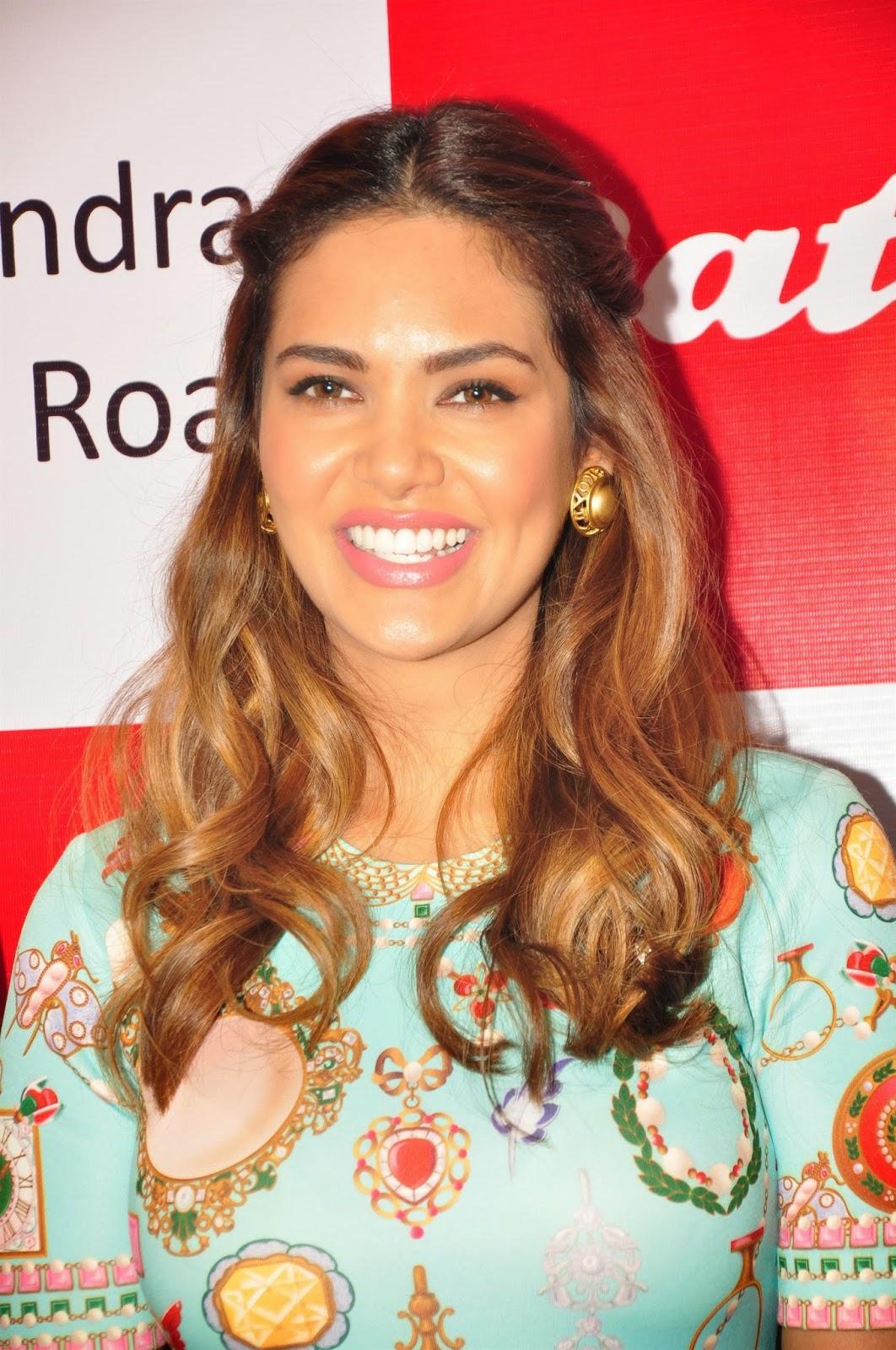 Esha Gupta Launch Iconic Bata Store Pics
