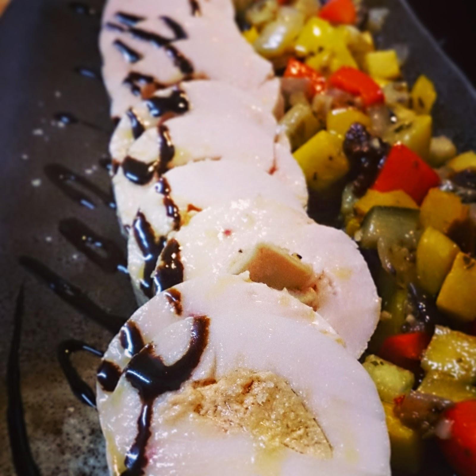 ご友人のサプライズ結婚祝いに高野シェフが出張料理:フォアグラ 鶏肉のバロティーヌ秋野菜のラタトゥイユ