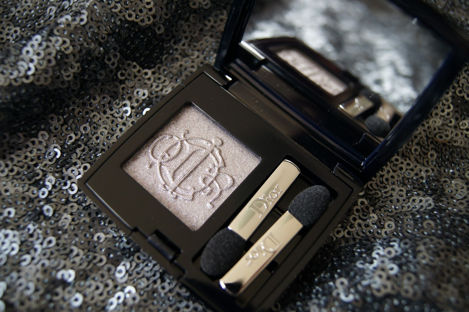 Dior Kingdom of Colors Spring 2015-Fairy Gray mono eyeshadow