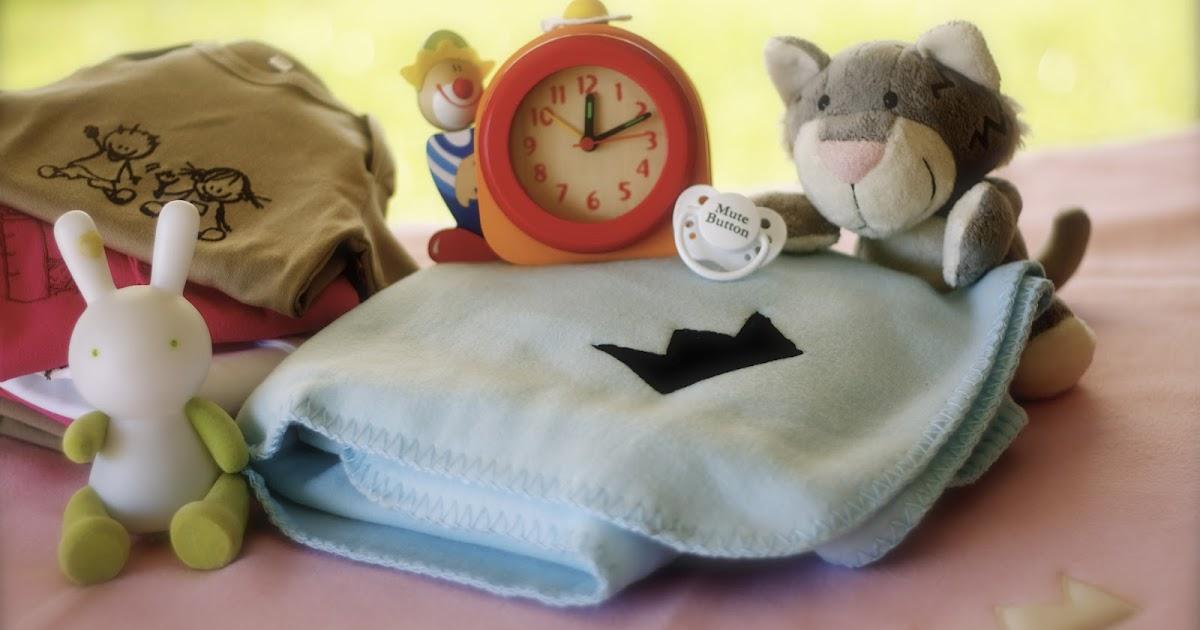 Giocare e capire il corredo per il neonato e la neomamma for Arredo ludoteche