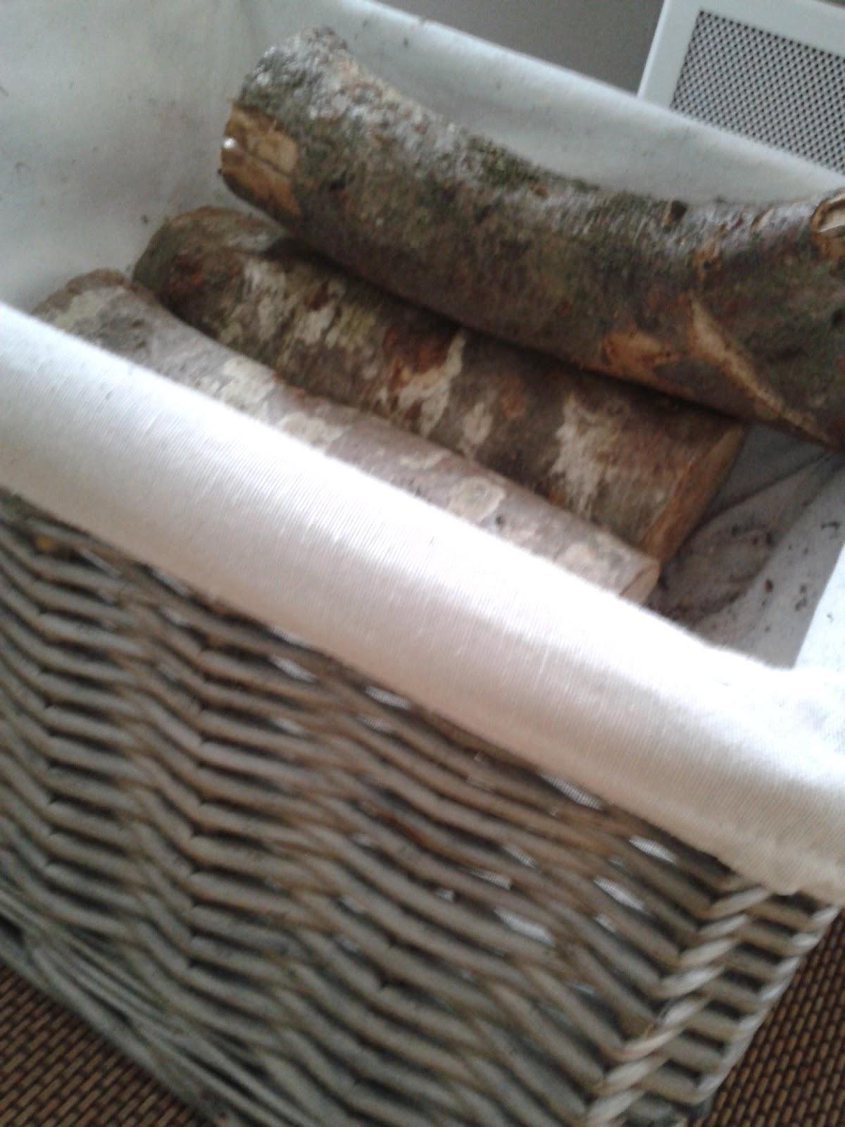 Con encanto cajas y cestos en el sal n - Cestos para lena ...