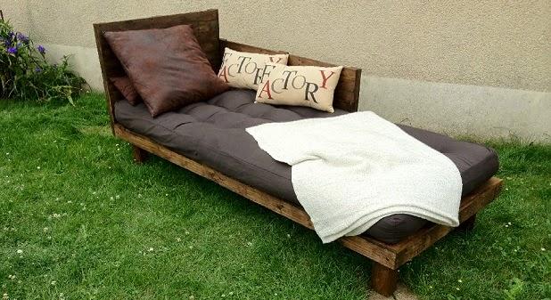 salon de jardin palette design. Black Bedroom Furniture Sets. Home Design Ideas