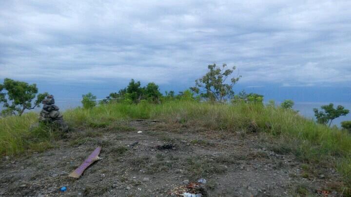 puncak bukit pulau karamasang