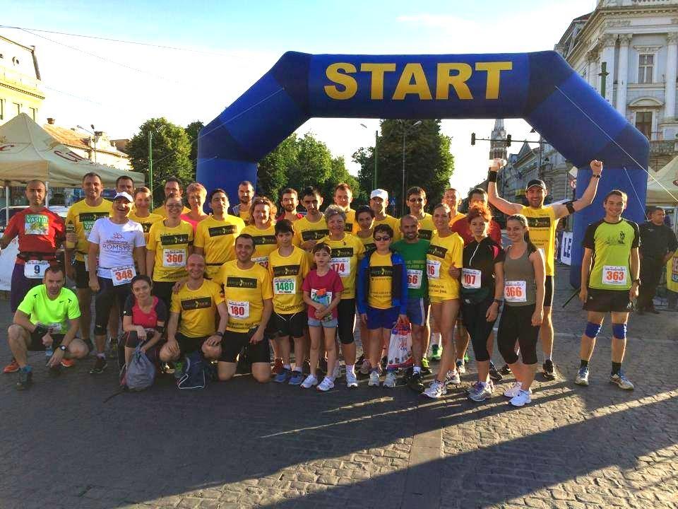 Maraton Arad 2014. Un eveniment REUŞIT în ciuda tuturor dificultăţilor. Alergotura înainte de Start