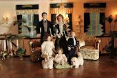 Familjen Henry, Elisa, Carl, Lilly och Zarah