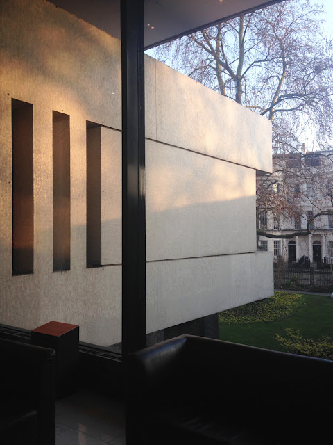 The Royal College of Physicians by Denys Lasdun, inside projecting out