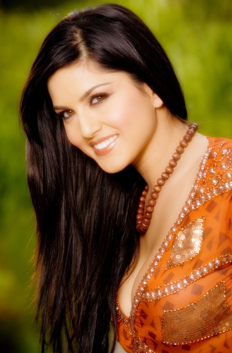 Sunny leone video six