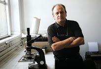 Andres Carrasco Médico y Científico