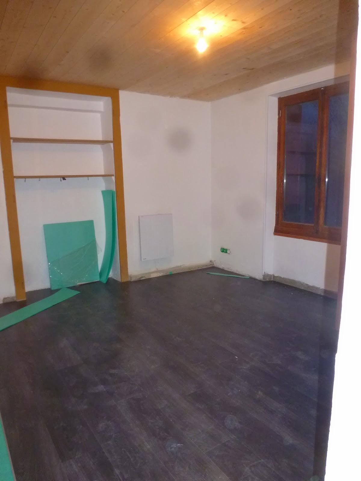 aure&del: 23 et 24 décembre- Parquet de notre chambre - Lambris PVC