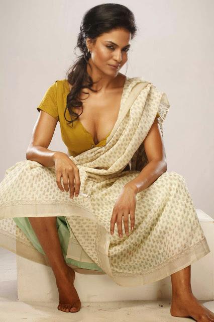 Veena Malik Hot Stills Navel Queens