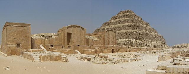 Imagen de la Pirámide Escalonada de Saqqara de Zoser Faraón de la III Dinastía