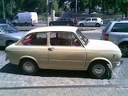 Fiat 850 Sedan. Bem tratado e em creme, caçado numa concentração de .