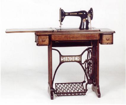 Madame macabre poca victoriana del corte imperio a las - Maquinas de coser ladys ...
