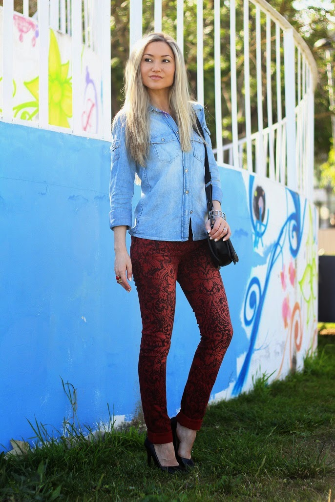 look do dia, ootd, look of the day, spring trends, tendências primavera verão 2014, casual chic look, denim shirt, camisa de ganga, red, new yorker, zara, mango, pumps, skinny jeans, vermelho escuro, floral print, padrão floral, dicas de imagem pessoal, consultoria de imagem, blog de moda, blogue de moda, style statement, blog de moda portugal, blogues de moda portugueses, pumps, calvin klein watch, blanco