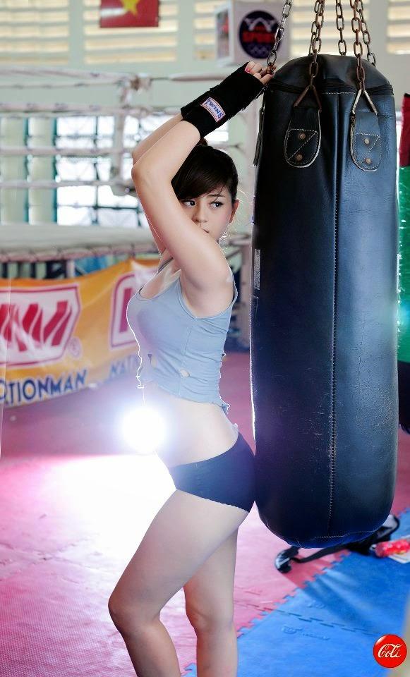 Hotgirl Châu Dương sexy với trang phục boxing 8