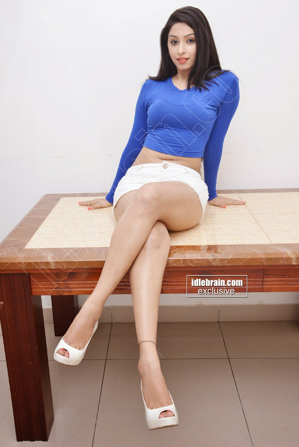 ... white Eshanya Sexy hot Photos Showing deep Navel And milky Thighs hq