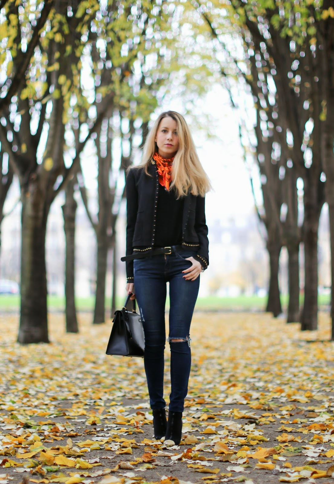 Hermès, hermès scarf, frame denim, vanessa bruno, black and gold, chanel, hermès kelly, fashion blogger, streetstyle