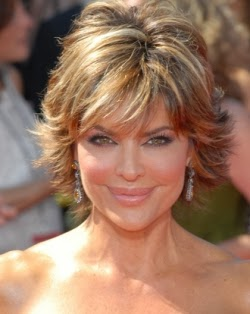 Picture of TV Host/Acrtess Lisa Rinna who suffered from postpartum depression