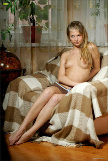 Hot Naked Girl - rs-Camille_-_Inviting_Glances_-_1478001-737315.jpg