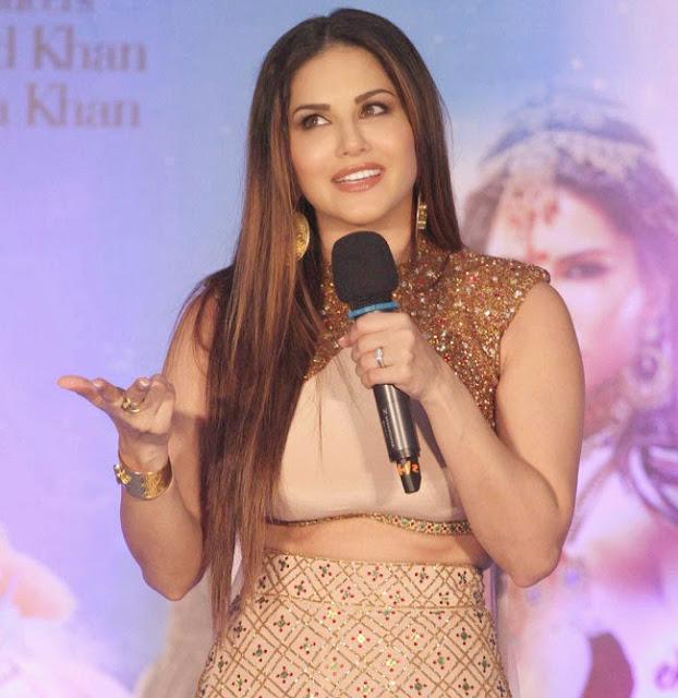 Sunny Leone Promotes Ek Paheli Leela Movie in Thane in Golden Tight Ghagra Choli