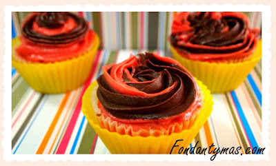 cupcake de chocolate y fresa III.Fondantymas.com