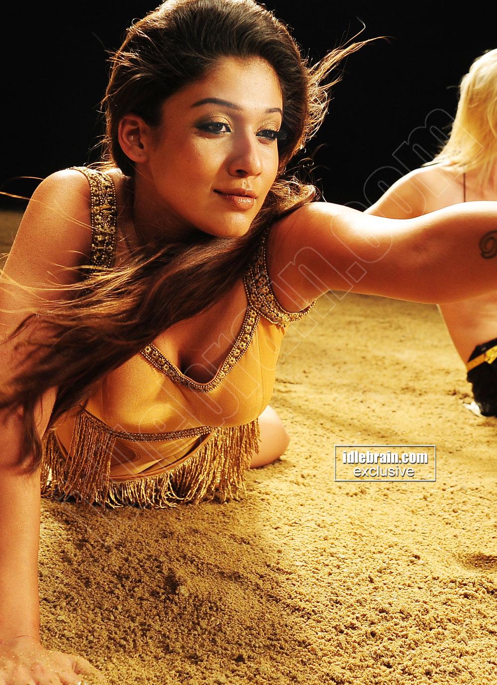 Nayanatara Sizzling Hot in Item Song