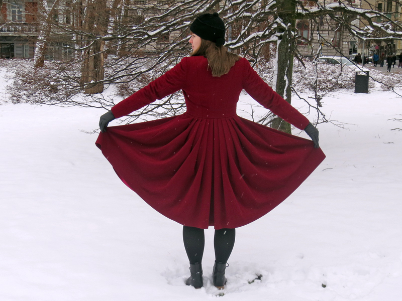 The ruby red winter coat back pleating | www.stinap.com