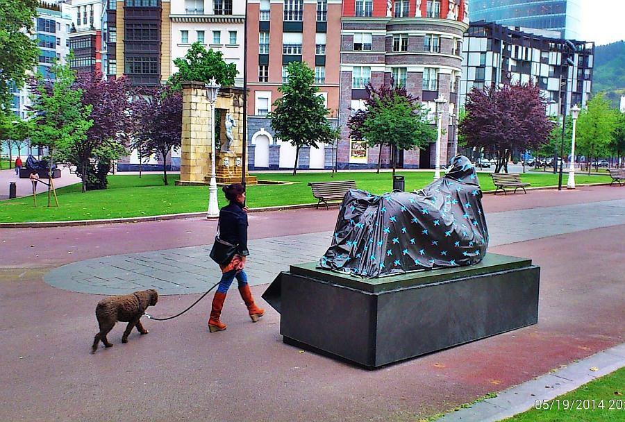 exposición,Henry Moore,escultura,Bilbao,empaquetadas