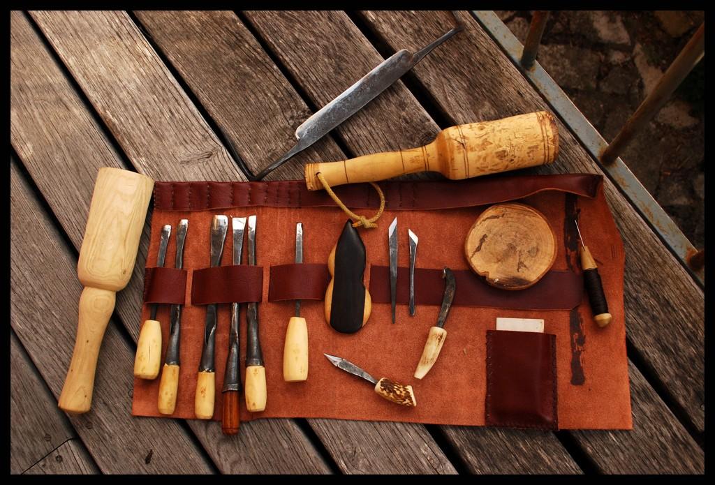 3kg sous terre ma trousse outils pour bois et cuir. Black Bedroom Furniture Sets. Home Design Ideas