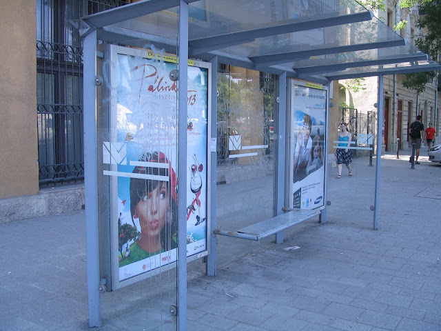 utasbeálló, Budapest, reklám, korrupció, Városliget, Budapest, Intermédia, City Light, utcabútor