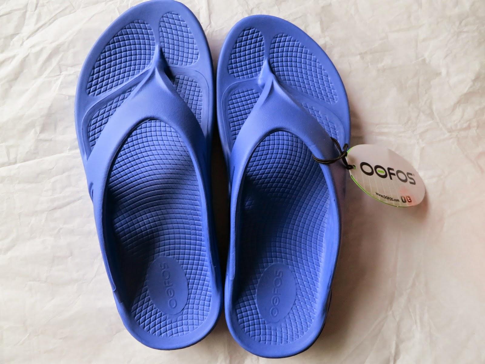 flip flops, sandals, oofos