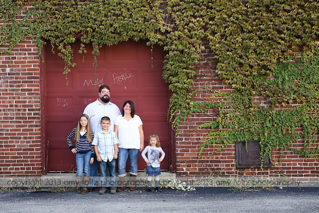 family photo in alley - Clinton, Indiana Photographer