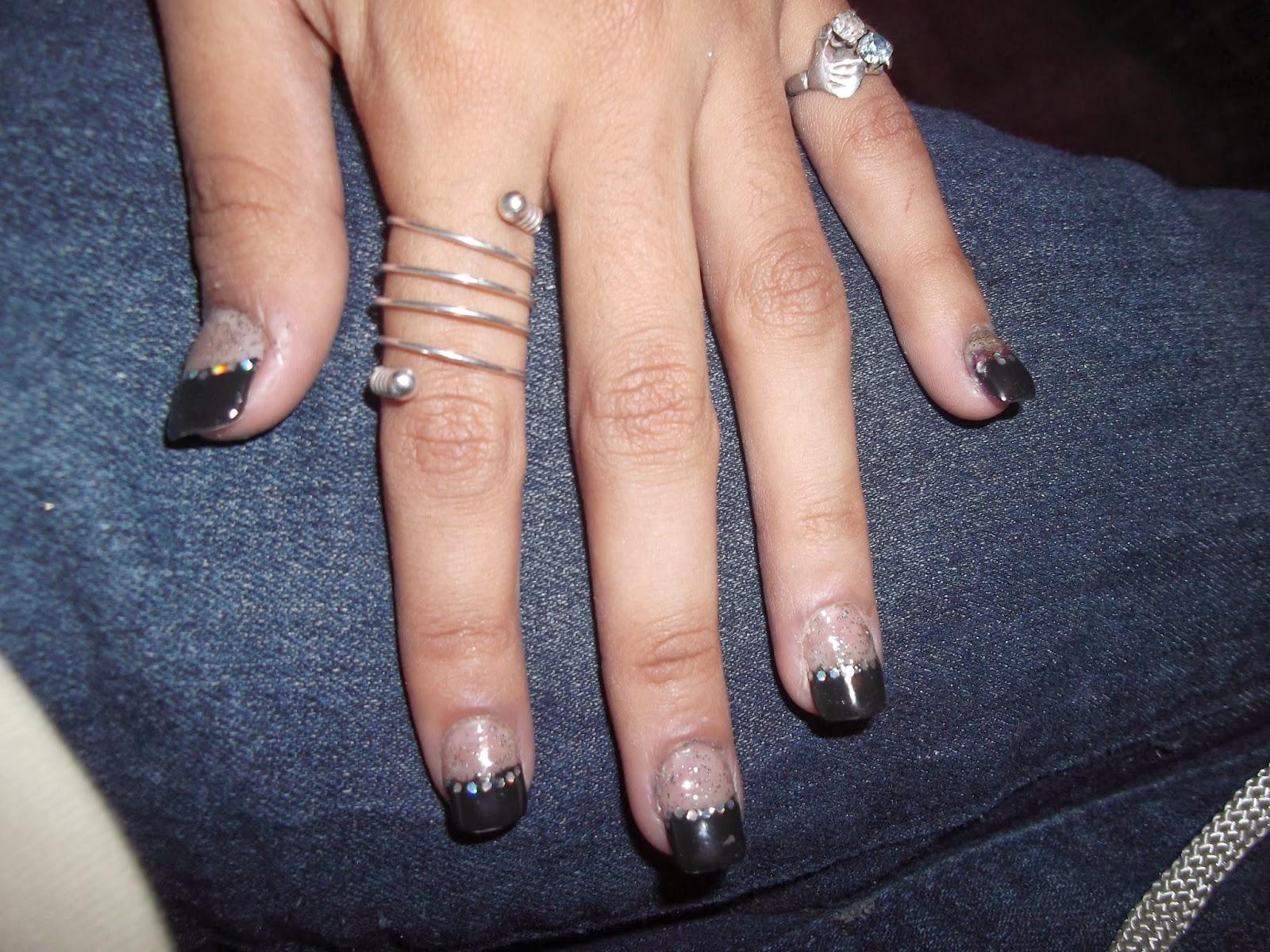 Moda y estilo u as de acr lico color negro - Color de unas de moda ...