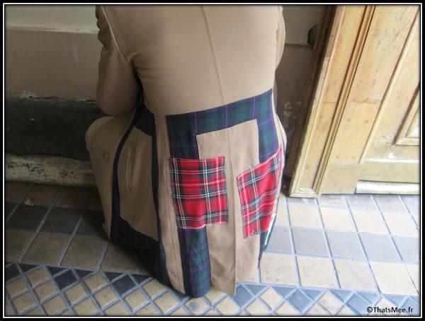 Trench Impasse De La Defense empiècement tartan ecossais homme, Harvey agence Kisu PR , Dedicate Magazine