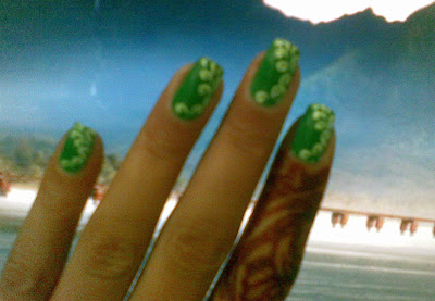 beautiful nail design picture by pari sangha