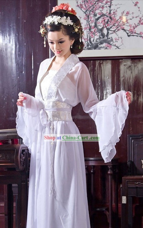 Traditional+Chinese+White+Wide+Sleeve+for+Women.jpg
