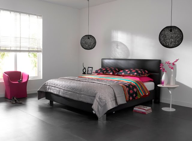 le sp cialiste du matelas lit tempur prestige cuir noir. Black Bedroom Furniture Sets. Home Design Ideas
