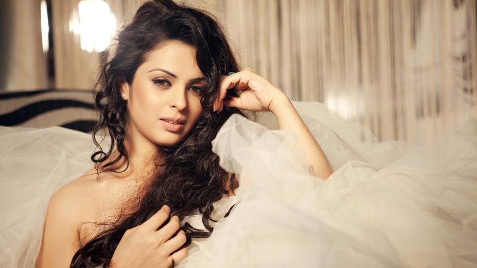 Anjana Sukhani profile...