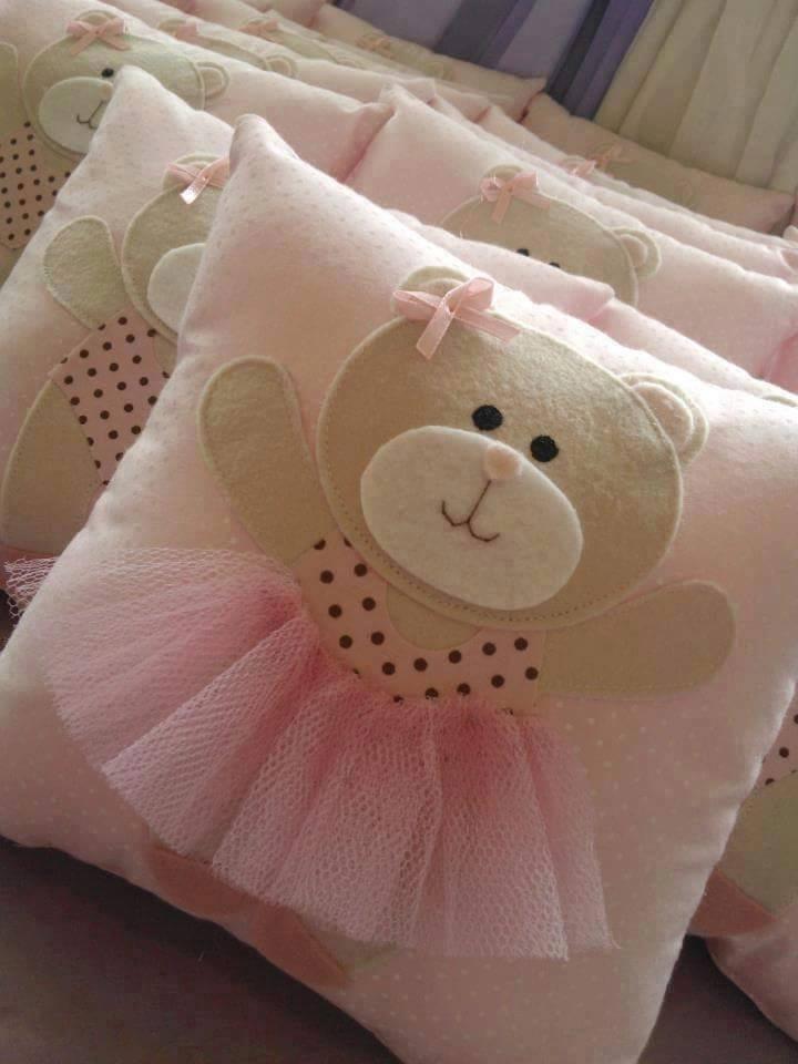 keçe aplikeli kız bebek takı yastığı