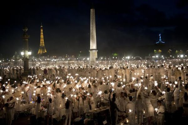 Labor Day Party Idea: Diner en Blanc blog image 1