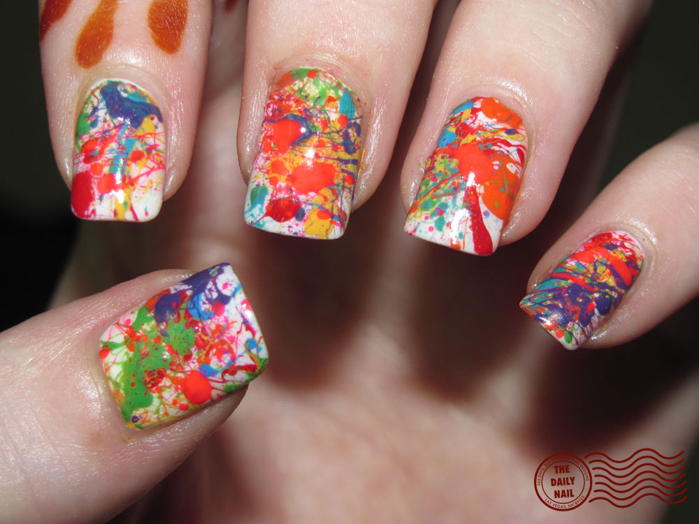 Holi wow the daily nail for Decoracion de unas con esmalte