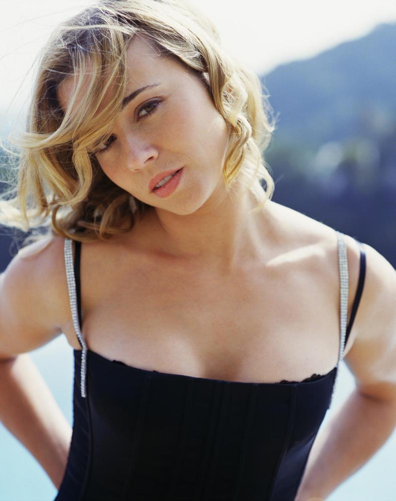 Linda Cardellini Imágenes - FONDOS WALL Shakira Facebook