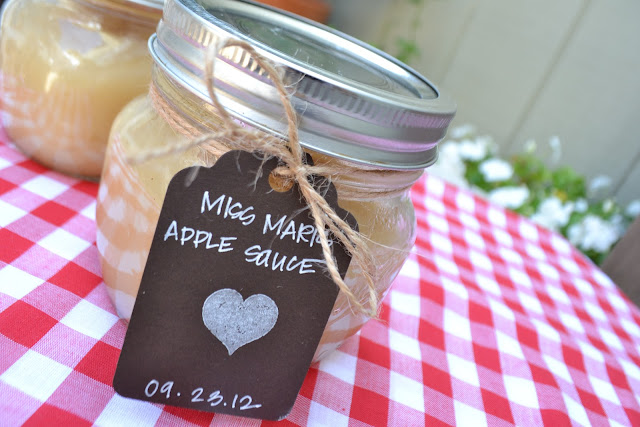 paper{whites} // smitten kitchen's homemade applesauce
