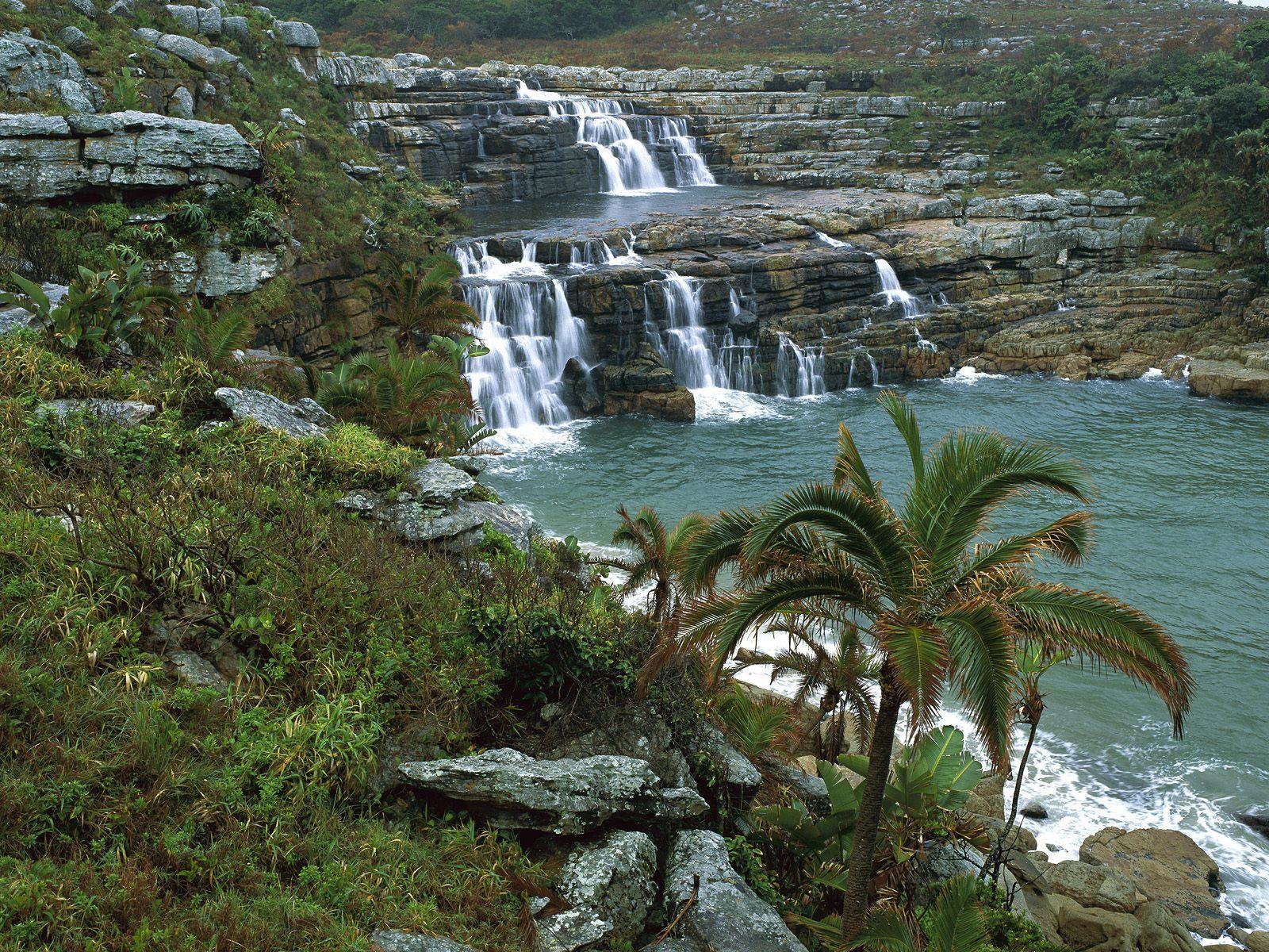 http://3.bp.blogspot.com/-oslJXbIzqAs/Tir-Rncka1I/AAAAAAAAAv0/L3-3_Hynujw/s1600/Mkambati_Nature_Reserve_Pondoland_Coast_South_Africa.jpg