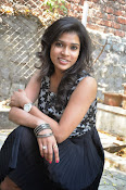 Model Bhargavi Photos at Pochampally Ikat art mela launch-thumbnail-18