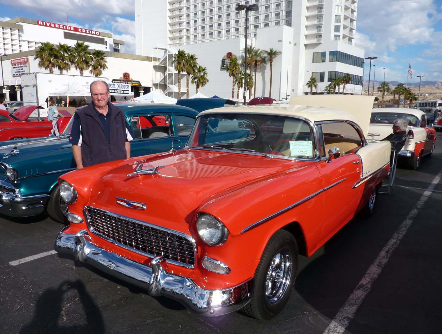 Classic Car Show Woody Plus - Riverside casino car show