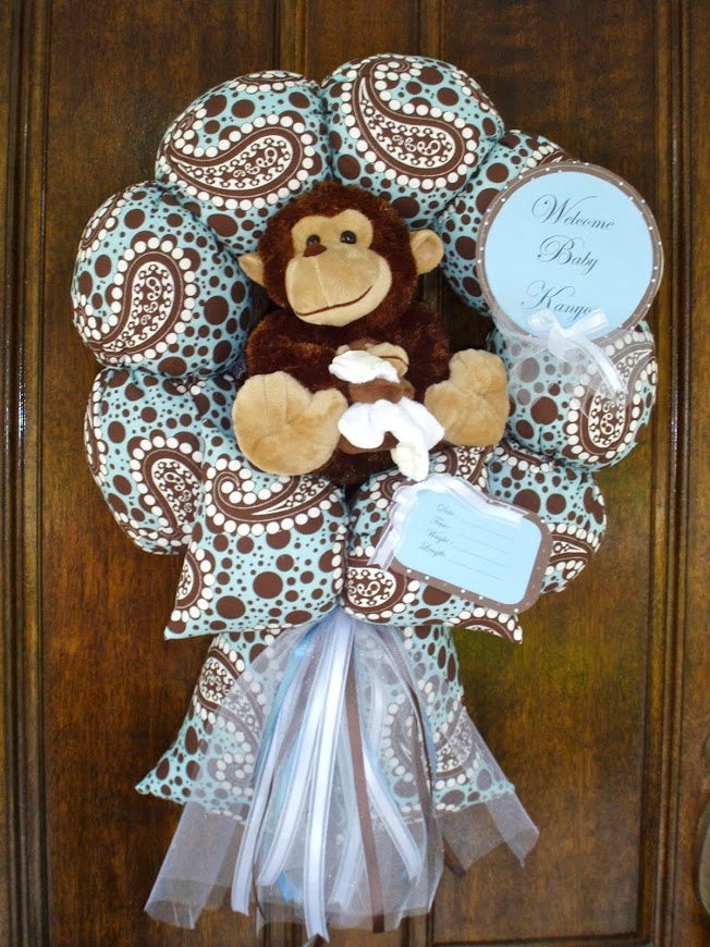 "94.Custom"" I love you to the moon and back"" baby wreath"