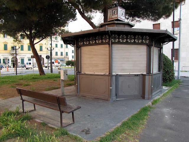 Bench, piazza dell'Unità d'Italia, Livorno