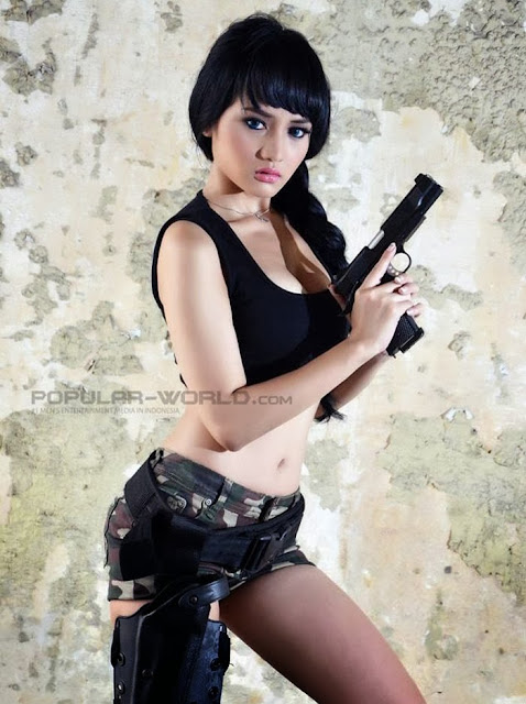 Gladysta Popular World 04 Foto Model Cantik Gladysta di Majalah Popular Terbaru 2013