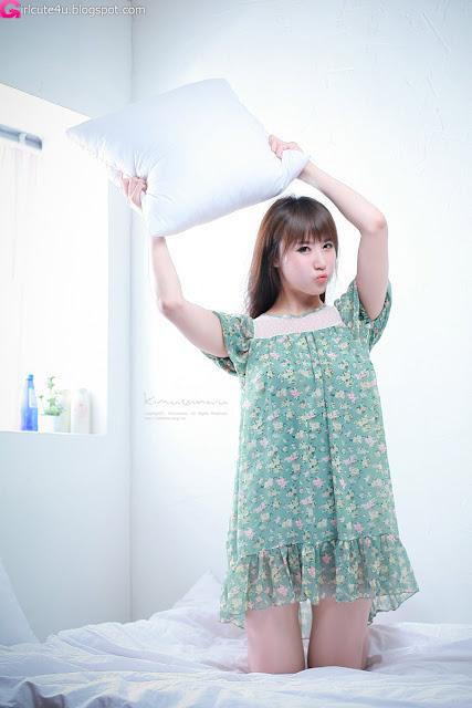 5 Yeon Da Bin on Bed-Very cute asian girl - girlcute4u.blogspot.com